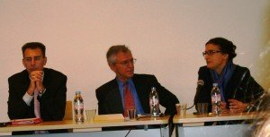 Matthieu Conan Co directeur du CRDP membres de FIDES, M. Daniel I.GORDON et Mme Laurence FOLLOIT-LALLIOT lors de la Conférence FIDES sur la Cour des Comptes des Etats-Unis (GAO) à l'Université Paris Ouest Nanterre La Défense